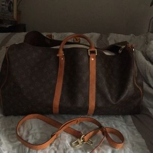LV Weekend bag.. very good condition
